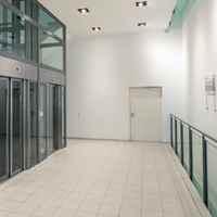 Aufzugsvorraum mit Onyxx von Grimmeisen Licht