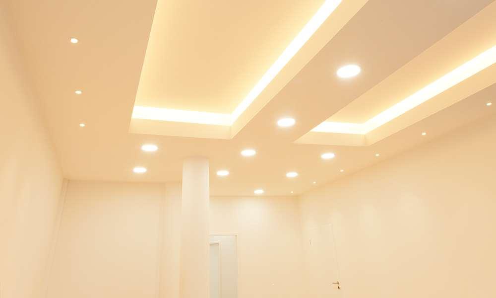 Indirekte Beleuchtung mit LED Stripes, Grundbeleuchtung mit Carmen und Slim Lights